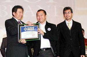 Toyota Raih Penghargaan Top Brand 2012
